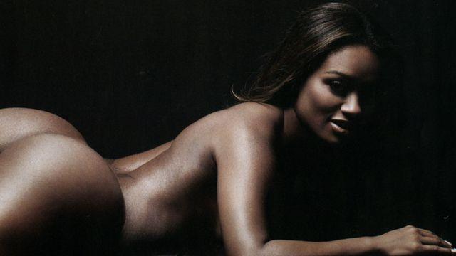 Playboy Despiu Apenas Sete Mulheres Negras