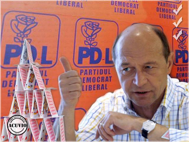 Funny photo Traian Basescu cărţi joc