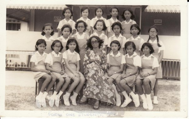 Foto Geng Perempuan masa form 1