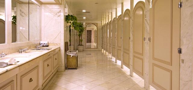 ผลการค้นหารูปภาพสำหรับ restroom hotel
