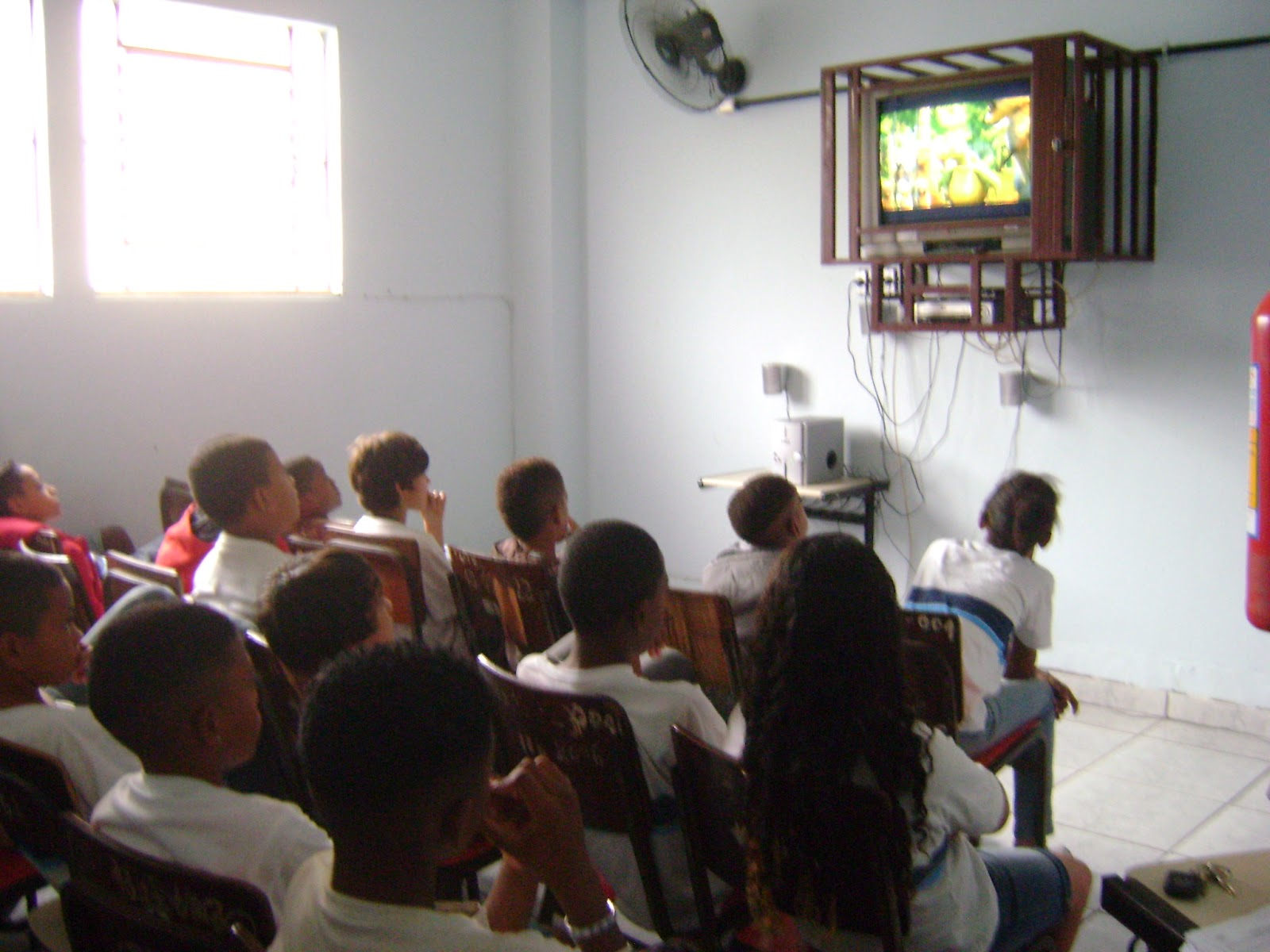 #8B8940 Escola Municipal Professor Augusto Paulino Filho: NO DIA DO MEIO  1600x1200 px Projeto Cozinha Experimental Na Escola #2535 imagens