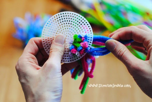 Director Jewels Sea Anemone Pipe Cleaner Craft for Under the Sea (Octonauts Bubble & Director Jewels: Sea Anemone Pipe Cleaner Craft