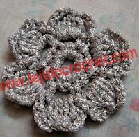 http://www.tejidocrochet.com/2013/08/12/una-flor-pequena-en-tejido-crochet/?utm_source=feedburner&utm_medium=feed&utm_campaign=Feed%3A+TejidoCrochet+%28TEJIDO+CROCHET%29