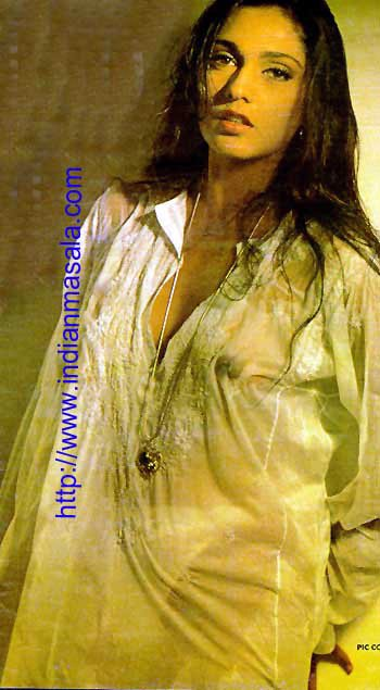EXCLUSIVE SEXY: Anu Agarwal show her nipple