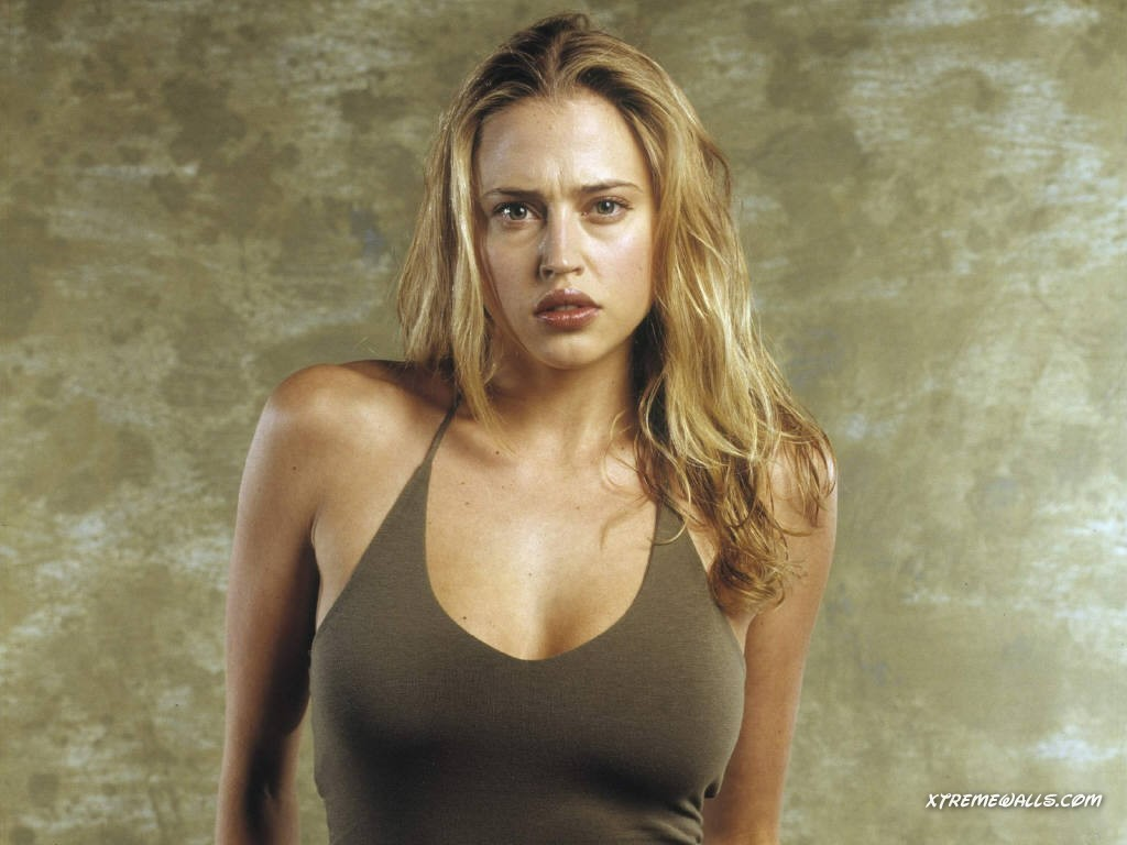 estella warren images topples