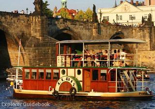 Wisata pesiar sungai Vltava Praha