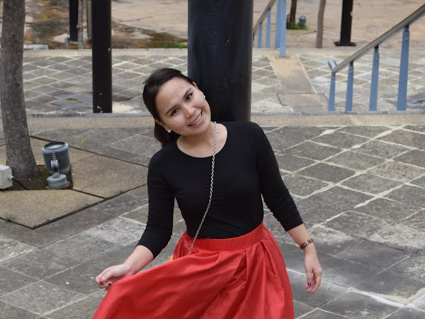 Outfit Diary : Red midi skirt