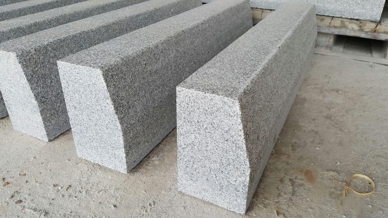 Bordillos de granito