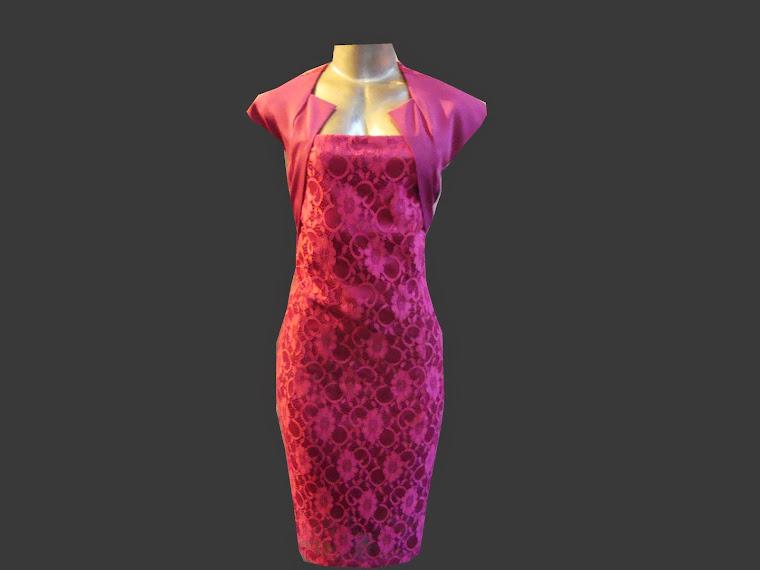 vestido de renda com prada