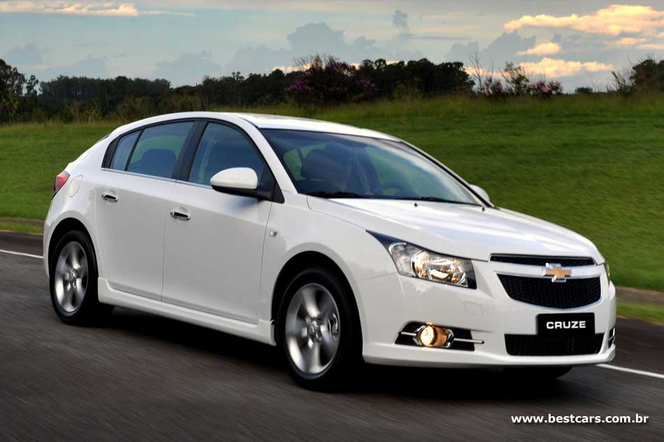 <b>Chevrolet Cruze LT</b> 1.816V Flex <b>x</b> Fiat Bravo Sporting 1.816V Flex <b>x</b> <b>...</b> 2014