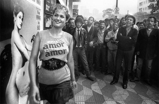 """Xuxa Meneghel em 1982 no lançamento do filme """" Amor Estranho amor """""""