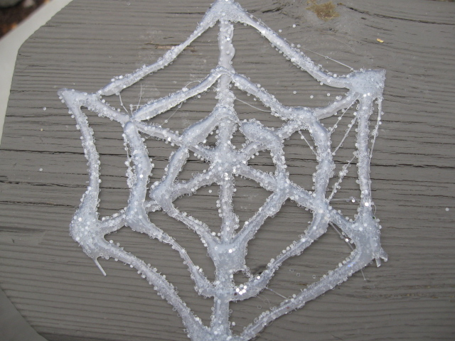 how to make a spiderweb out of string
