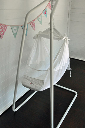 i was already familiar with the amby baby hammock as i u0027d had one for seb when he was a baby  his didn u0027t get as much use as i would have liked     ashleigh lawrence rye  review  amby baby hammock  rh   motherhenblog