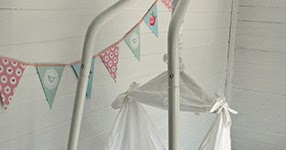ashleigh lawrence rye  review  amby baby hammock  rh   motherhenblog