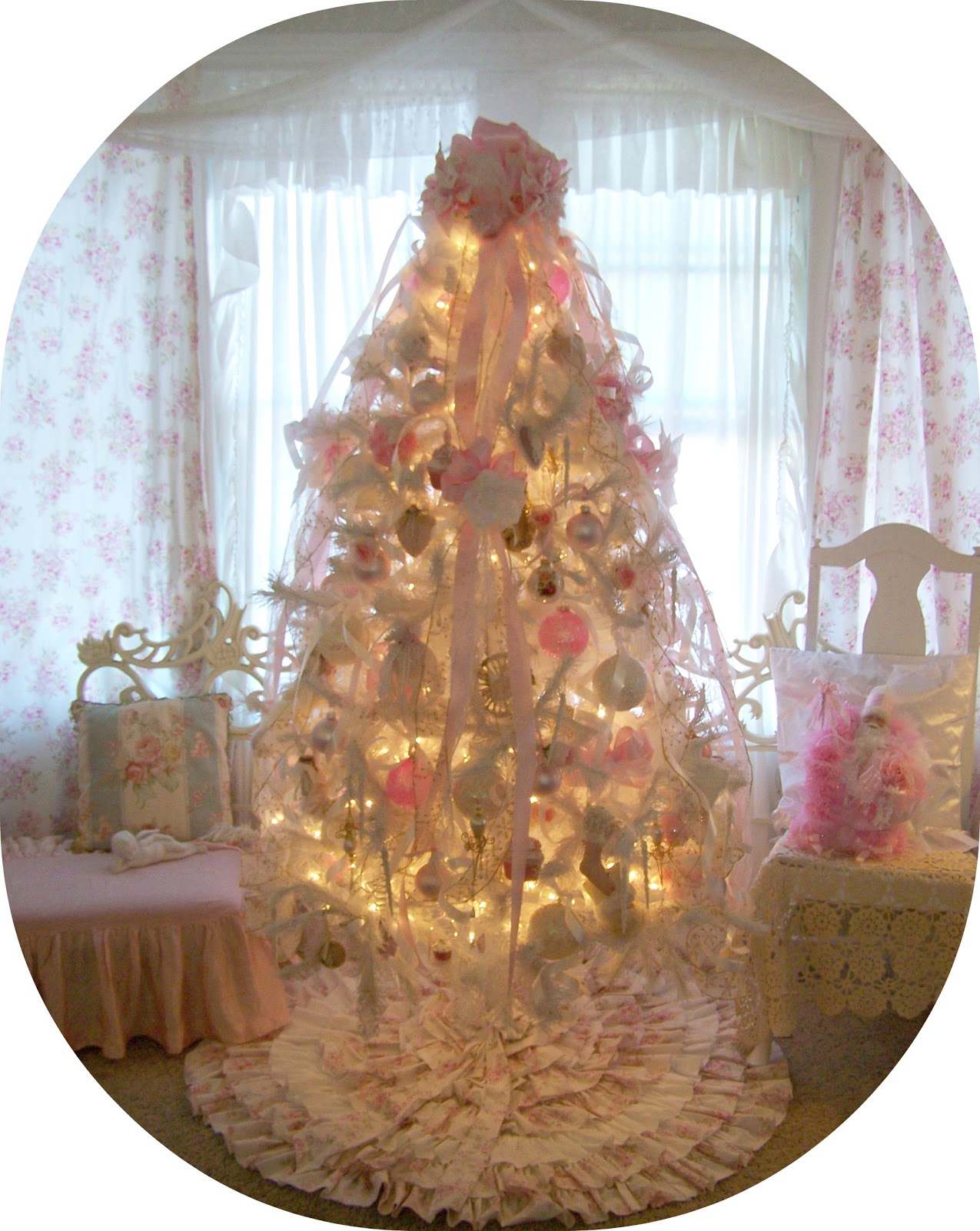 Olivia 39 s romantic home rhoada 39 s ruffles lovely christmas home for Shabby chic christmas