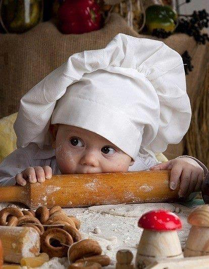 Photo bébé cuisinier - trop mimi