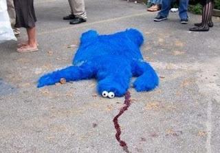 http://1.bp.blogspot.com/-Tnrq3Ep9qRY/TvqARHdbbOI/AAAAAAAABSI/T7FbVOL0J0w/s320/cookie_monster_dead.jpg