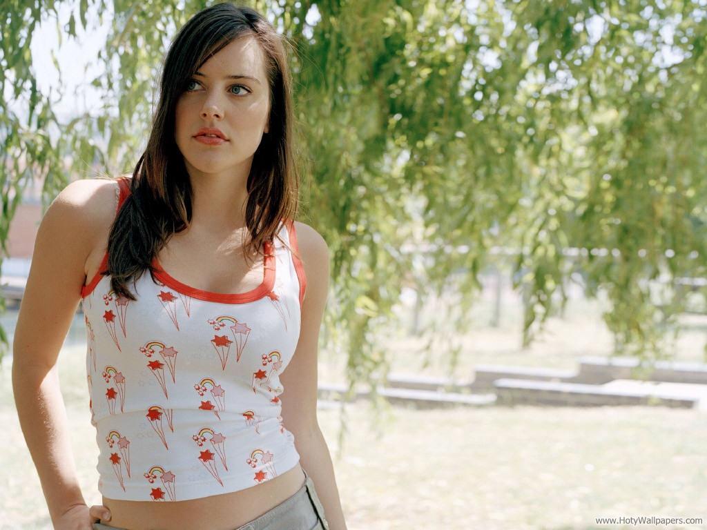 http://1.bp.blogspot.com/-TnrymhZzqWg/Tpw2j6m_TgI/AAAAAAAAMLg/A_5u1VPVsPs/s1600/michelle_ryan_actress_wallpaper.jpg
