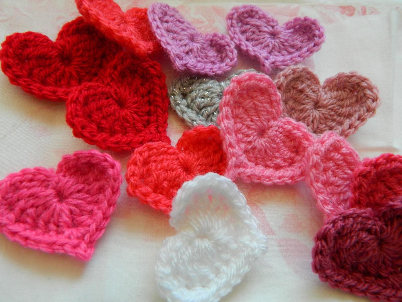 Crochet Patterns For Hearts : pinkfluffywarrior: Crochet heart (pattern)