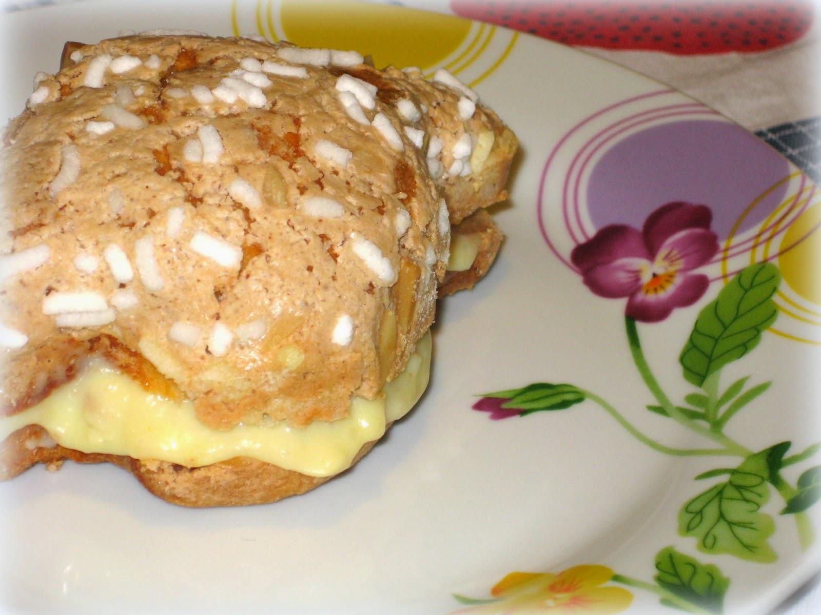 La ricetta della crema al cioccolato bianco con cui farcire la colomba pasquale, deliziosa, è perfetta per gli intolleranti alle uova.