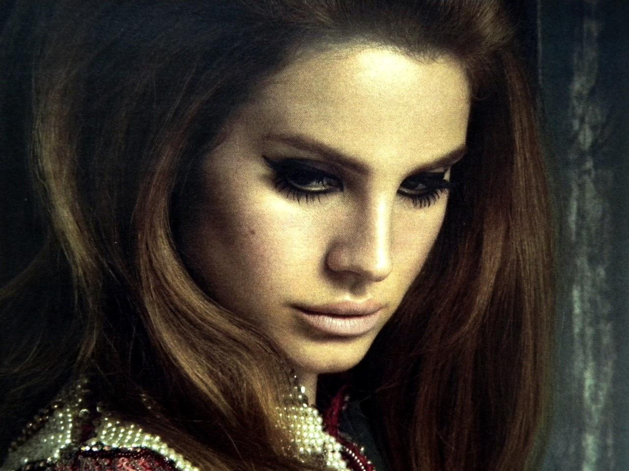 http://1.bp.blogspot.com/-ToCKwgMJJPo/T9saKVyL5zI/AAAAAAAABUo/ArZz1aj56U0/s1600/lana+del+rey+hairstyles-beautifulhairstyles-info.blogspot.com-Interview-Magazine-scans-Lana-Del-Rey-lana-del-rey-28602311-1280-960.jpg
