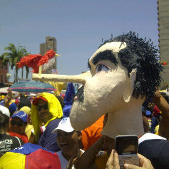 memes del pajarito de Nicolás Maduro