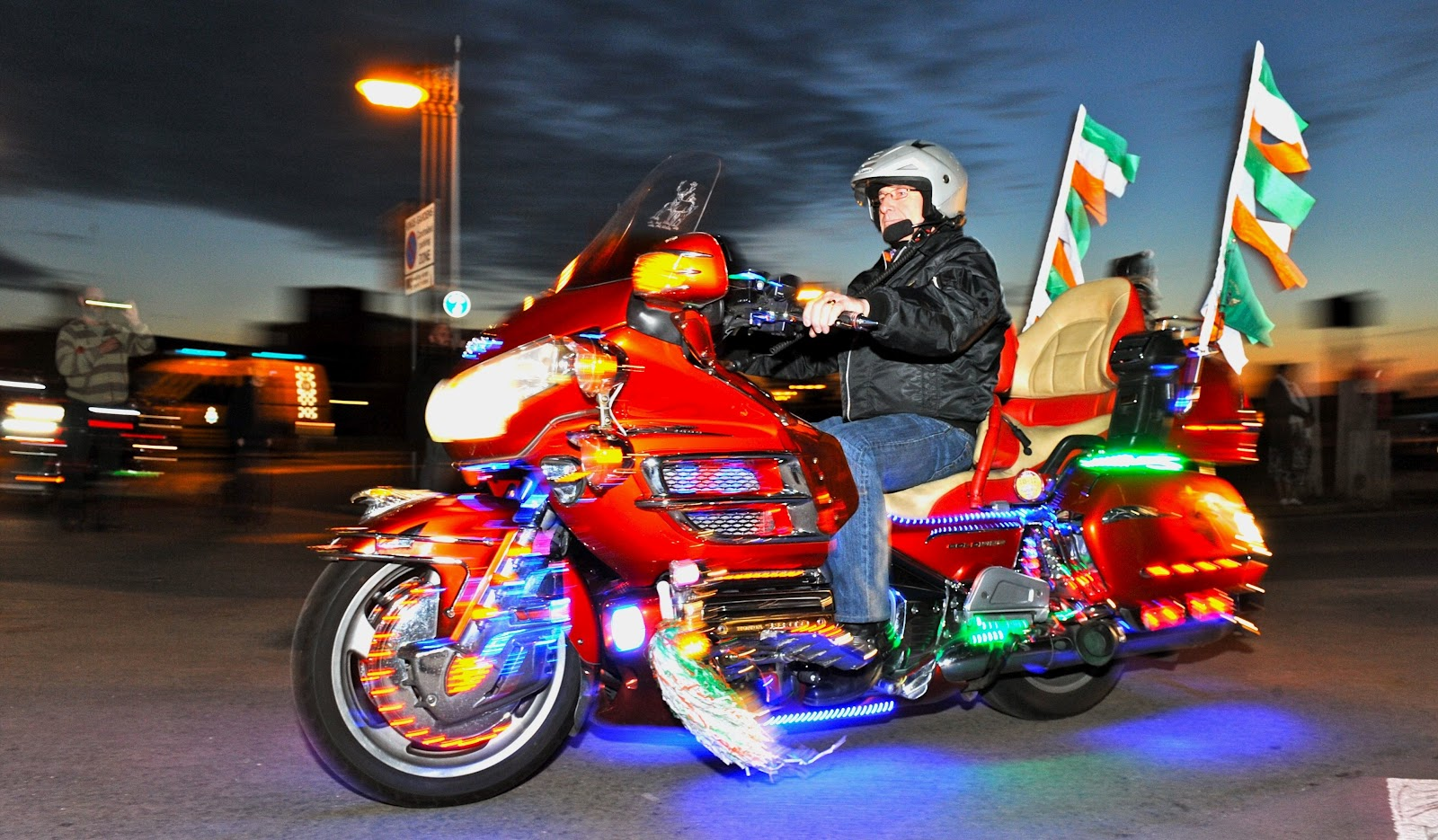 Life On Cars  Honda GoldWing riders take to the streets of Southport