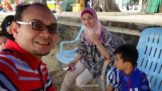 Berkelah di Pantai Teluk Kemang, Port Dickson Seremban