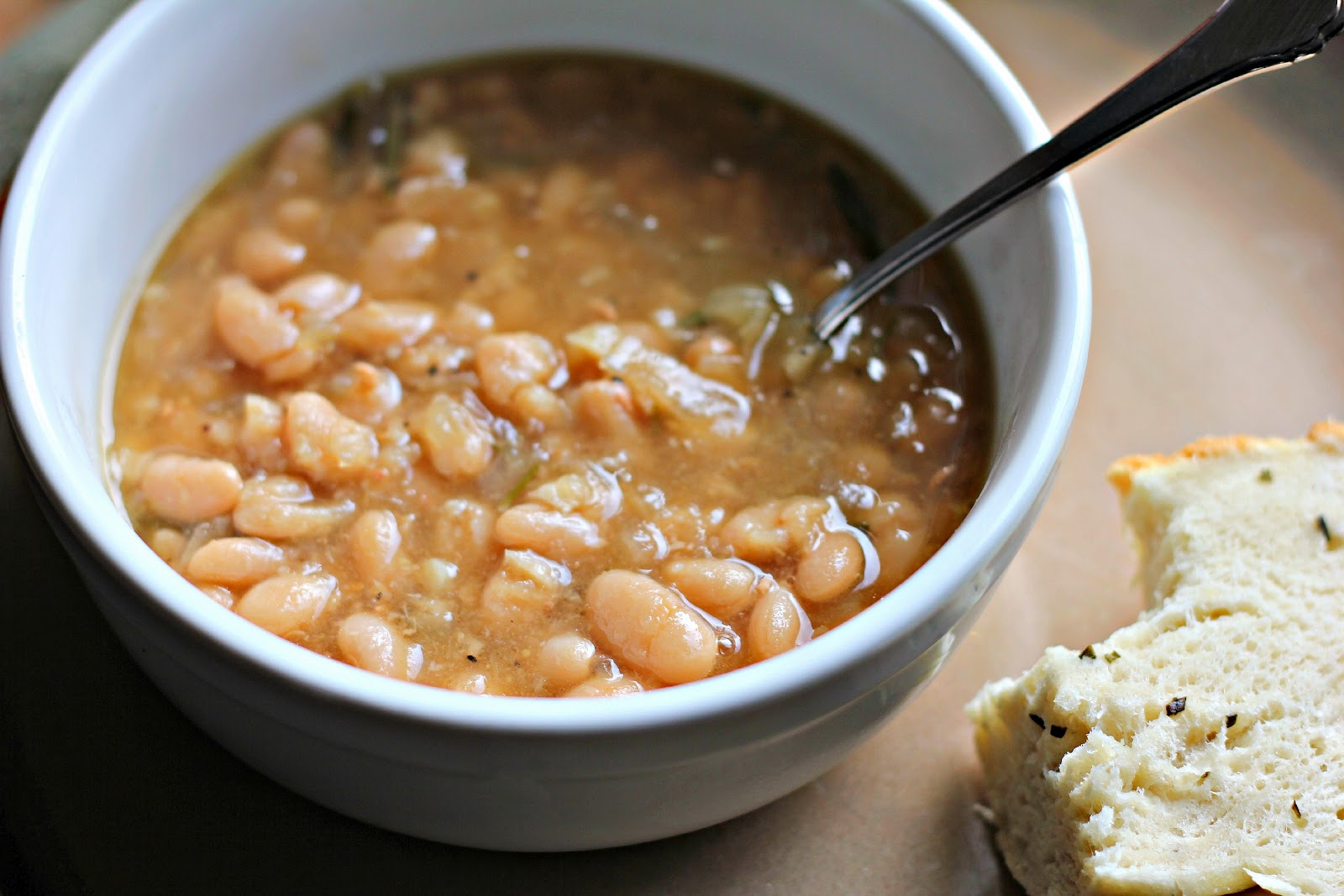 My Life On A Plate: Tuscan White Bean Soup