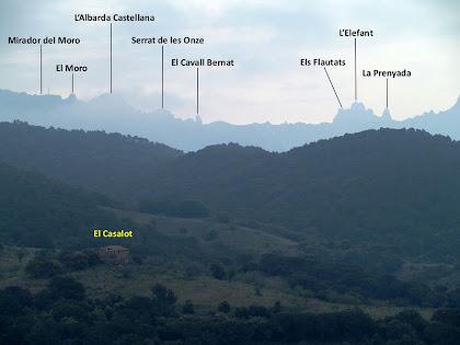 Podem distingir el Mirador del Moro, el Cavall Bernat, els Flautats...