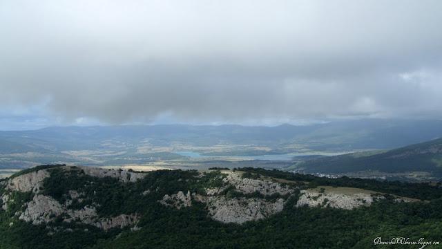 Туча над озером. Вершина Ильяс-Кая