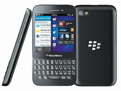 http://1.bp.blogspot.com/-TpEFS9FSQn4/UiOABDotBlI/AAAAAAAAAh4/bHeL-C9Mxtg/s1600/Blackberry+Q5.jpg