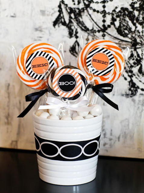 Halloween party favor and treat bag 2012 ideas from hgtv for Halloween party favor ideas