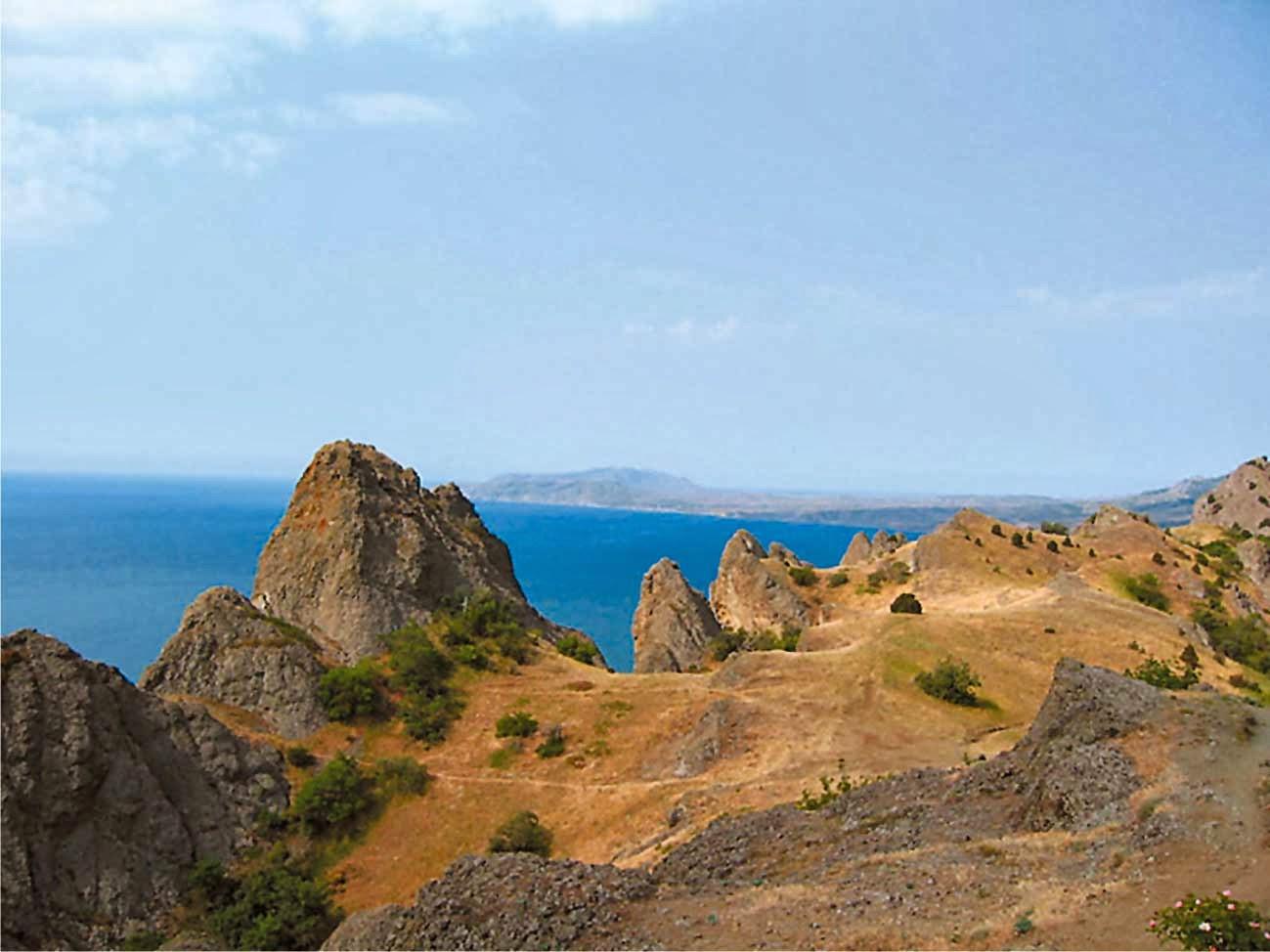 منظر من الساحل الجنوبي لشبه جزيرة القرم