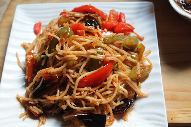 Chilli Garlic Noodles Recipe – Spicy Chinese Chilli Garlic Noodles Recipe