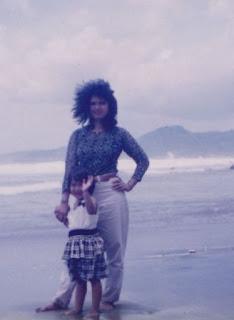 Ranii kecil bersama Ibu di Pelabuhan Ratu