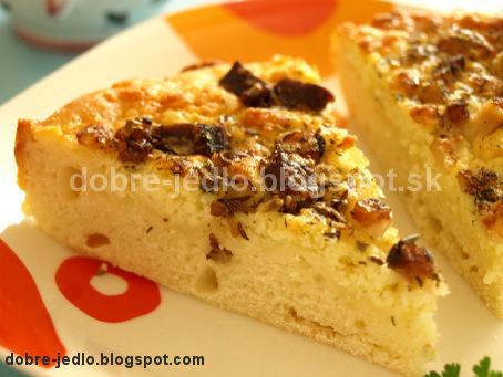 Bryndzový koláč s údenou slaninkou - recepty