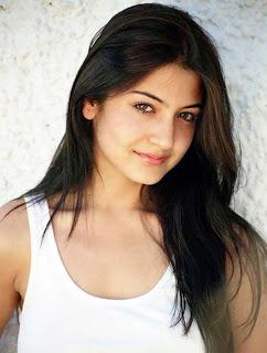 Anushka sharma beautiful hair