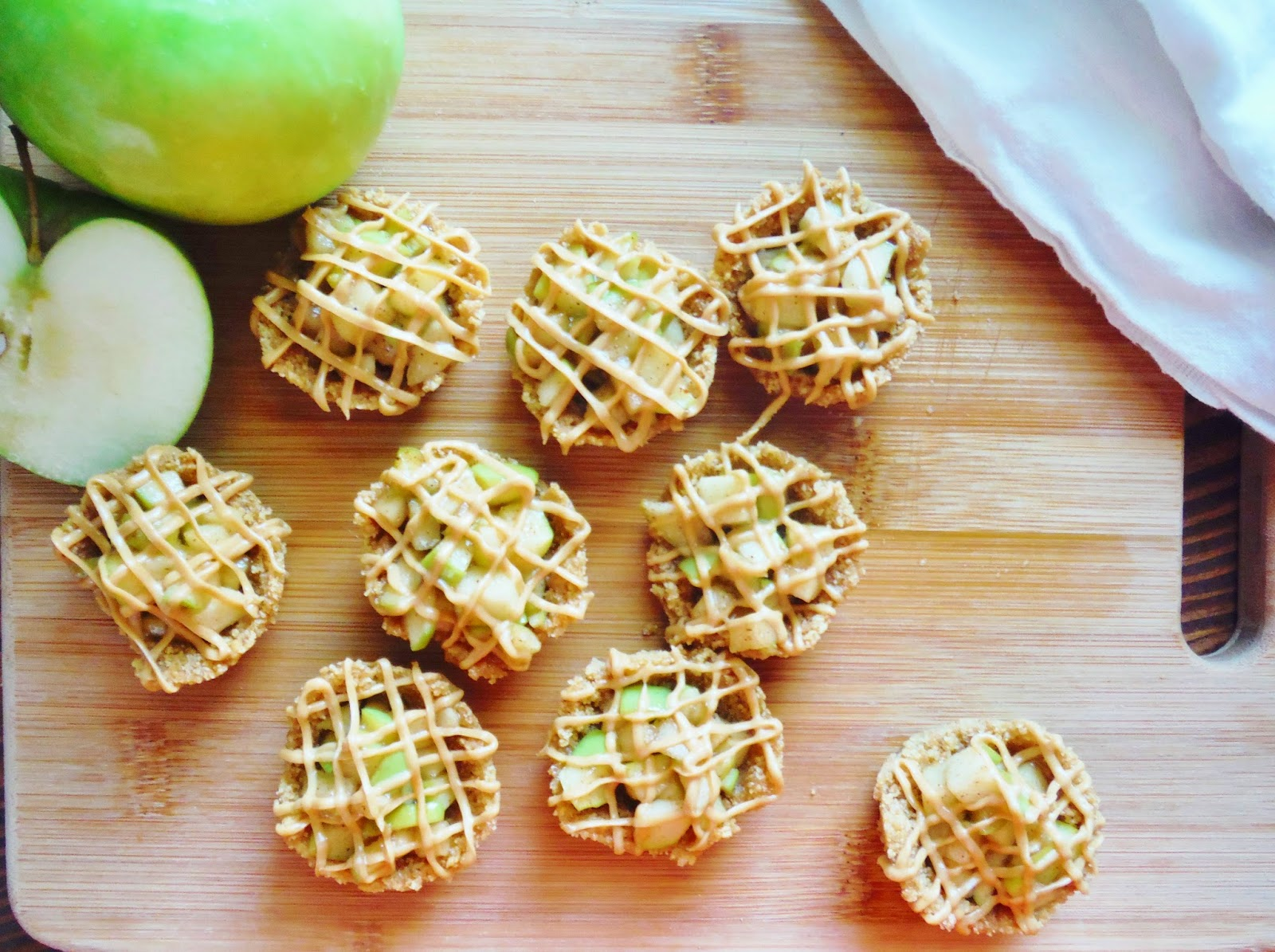 No Bake Mini Apple Pie Bites