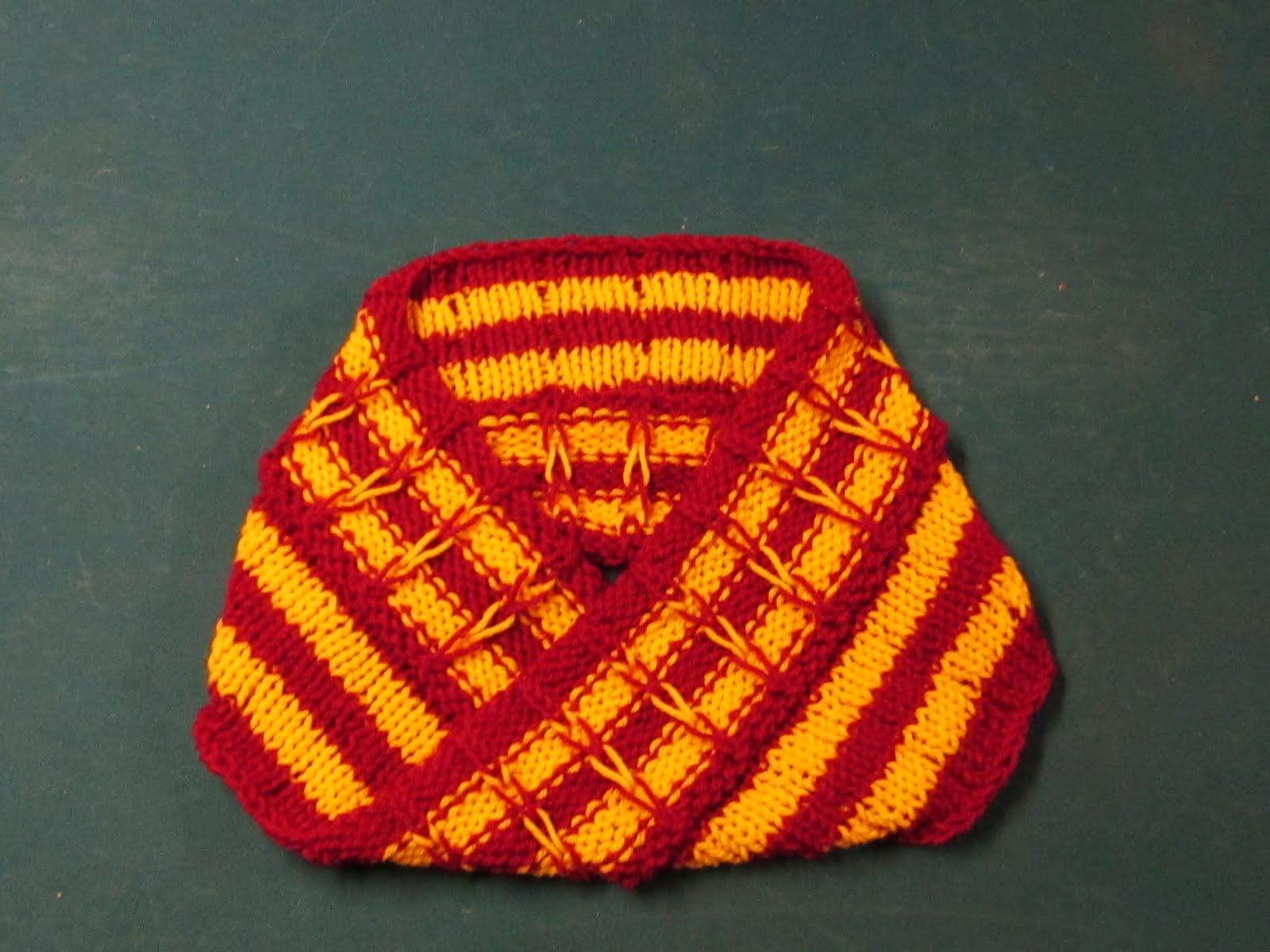 G\'s Crafts n\' Things: Broken stripes moebius & scarf