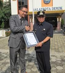 Walikota Serahkan Sertifikat ISO 9001:2008