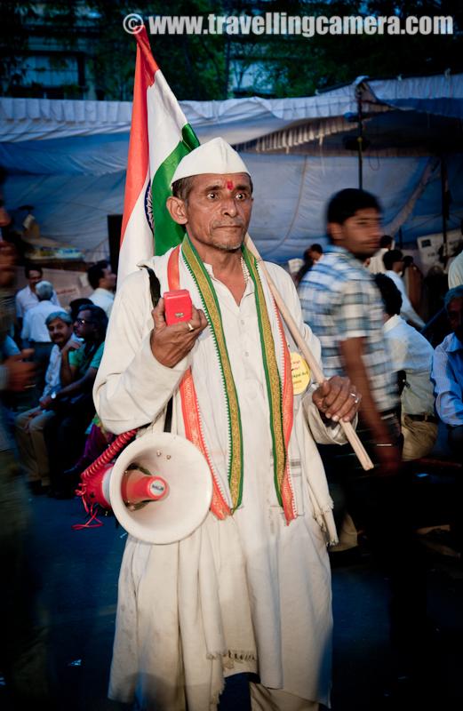 A Mahatma announces fast unto Death demanding enactment of a strong Anti corruption law called