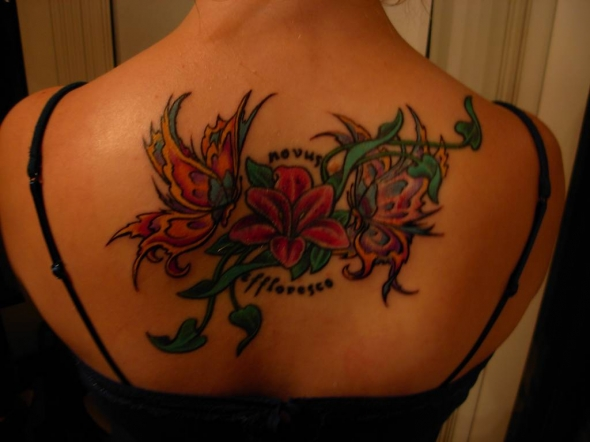 upper back tattoos for women zentrader. Black Bedroom Furniture Sets. Home Design Ideas