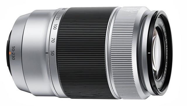Fotografia dello zoom Fujinon XC 50-230mm f/4.5-6.7 OIS colore argento