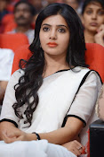 Samantha sizzling in white saree-thumbnail-13