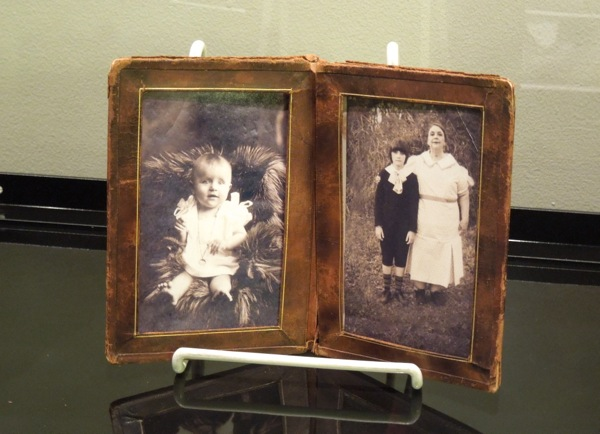Conjuring spooky family photo props