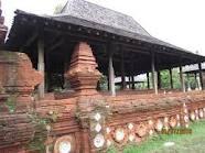 Setelah Panembahan Girilaya wafat, Kasultanan Cirebon terbagi tiga yaitu: pertama, Kasultanan Kasep