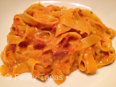Creamy chorizo pasta (Thermomix recipe) / Pasta cremosa con chorizo (receta Thermomix)