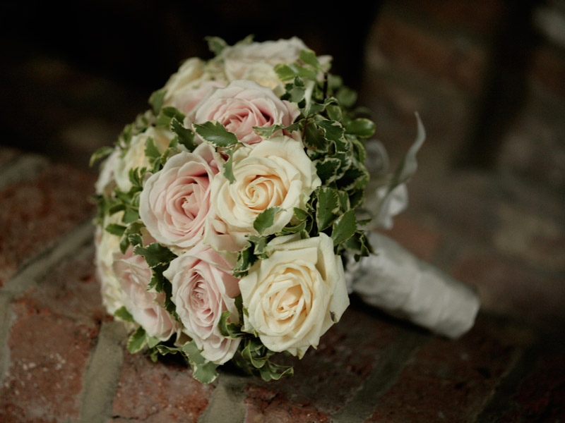 Traditional Wedding Flowers Pictures : Tolly s flowers traditional wedding in hertfordshire