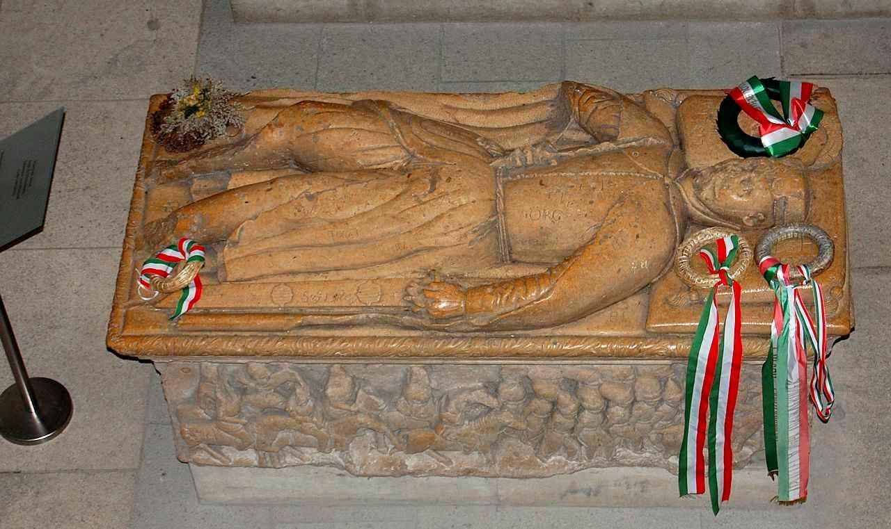 O túmulo do heroico Janos Hunyadi continua rodeado pelo reconhecimento do povo húngaro